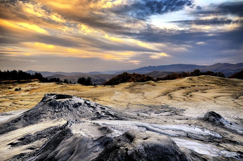 obiective turistice buzau - vulcanii noroiosi
