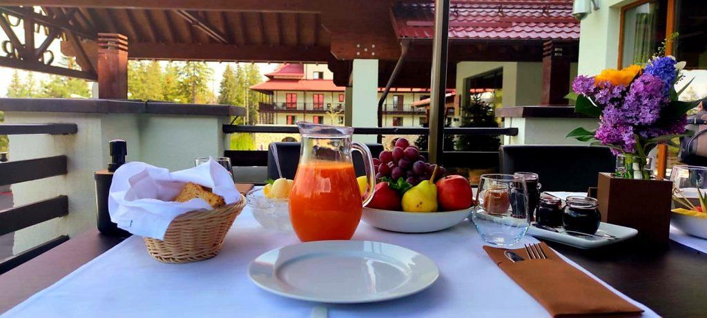 mic dejun la restaurant altitude